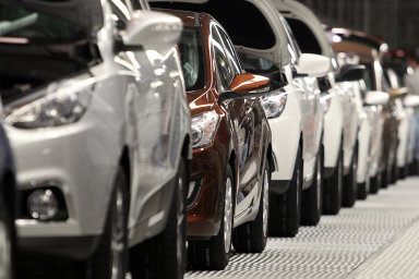 Výroba meziročně stoupla na 1,067 milionu vozů.