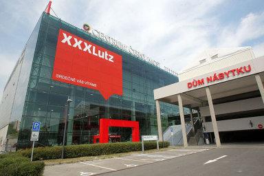XXX Lutz může koupit síť prodejen Kika, ale musí část kupované společnosti odprodat.