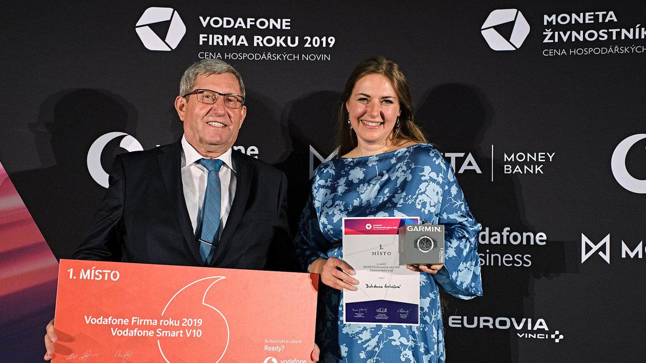 Vítězové zjižní Moravy. Jan Sedláček vyhrál sfirmou Gumex vJihomoravském kraji soutěž Vodafone Firma roku, vkategorii Moneta Živnostník roku uspěla Bohdana Goliášová.