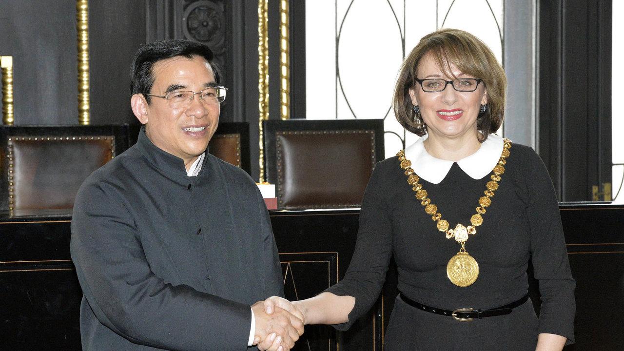 Budeme spolupracovat. Roku 2016 se tehdejší primátorka Adriana Krnáčová dohodla sprimátorem Pekingu Wang An-šunem nabudoucí spolupráci.