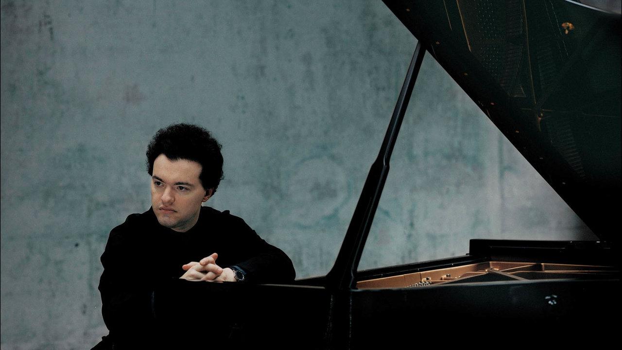 Jevgenij Kissin na Klavírním festivalu Rudolfa Firkušného zahraje Beethovenovy sonáty nebo Variace afugu, někdy nazývané Variacemi natéma zEroiky.