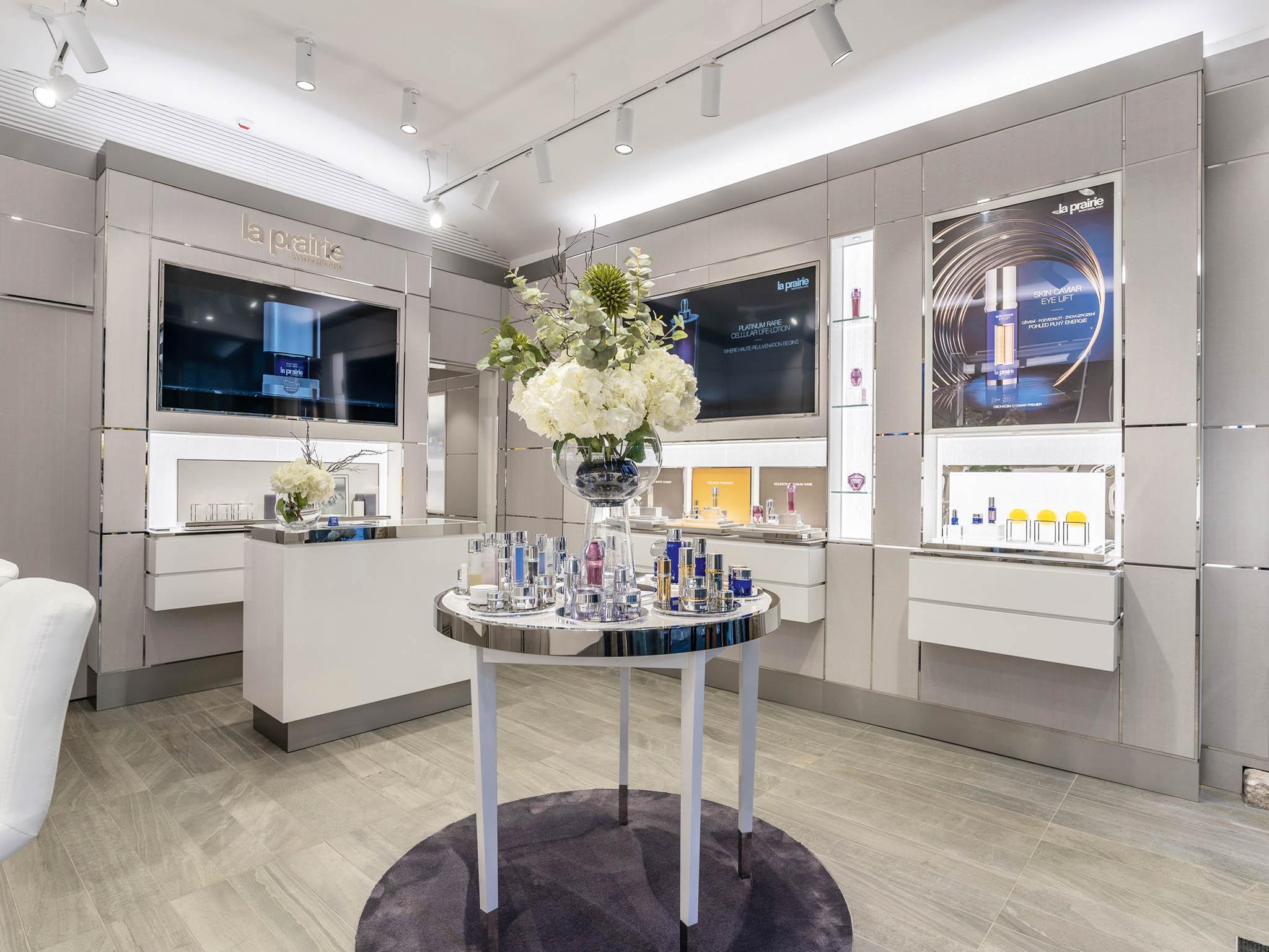 Švýcarská kosmetická značka La Prairie otevřela vPraze ojedinělý butik zasvěcený věčnému mládí.
