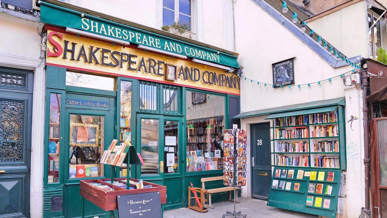 VPaříži nenajdete známější knihkupectví než Shakespeare & Company.