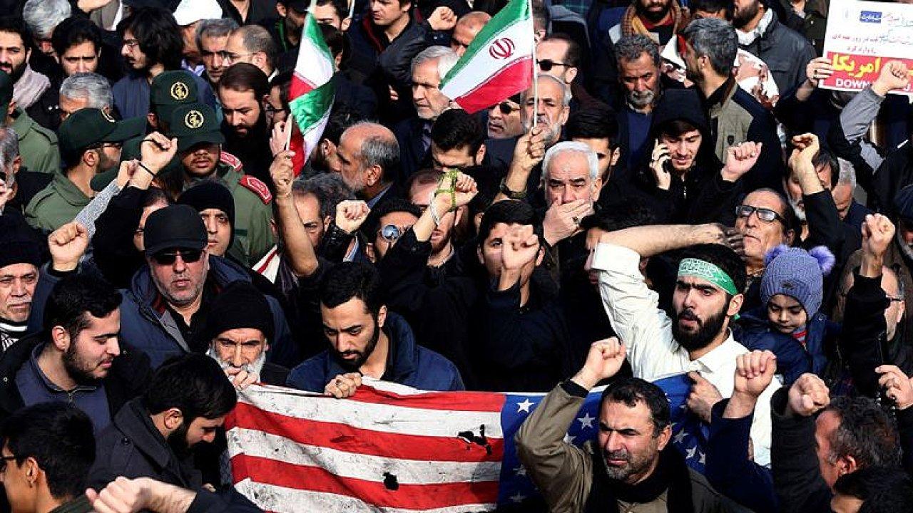 Novák: Íránská facka USA byla slabá, režimu jde o přežití, Trump ho zasáhl do srdce.