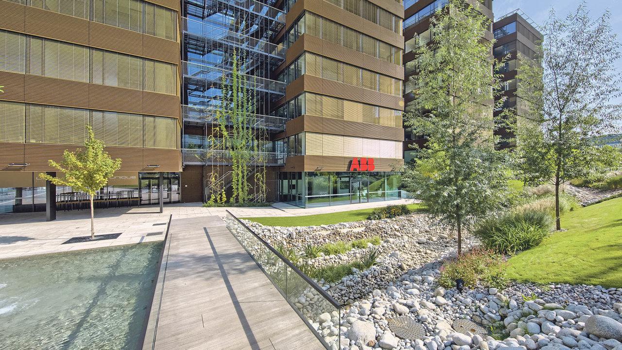 Budova Delta vBB Centru naPraze 4 má dvě retenční nádrže, které jímají srážkovou vodu zestřechobjektu.