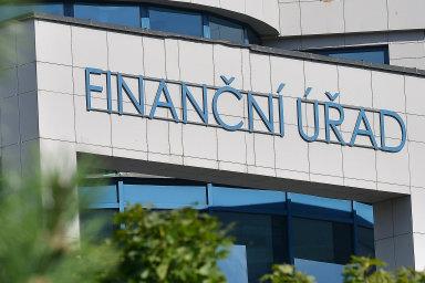 Jako by si půjčila vbance: Finanční správa bude muset vyplácet vyšší úroky, pokud zadrží na delší dobu podnikatelům přeplatek DPH. Sazba by se neměla lišit od komerčních úvěrů pro podnikatele.