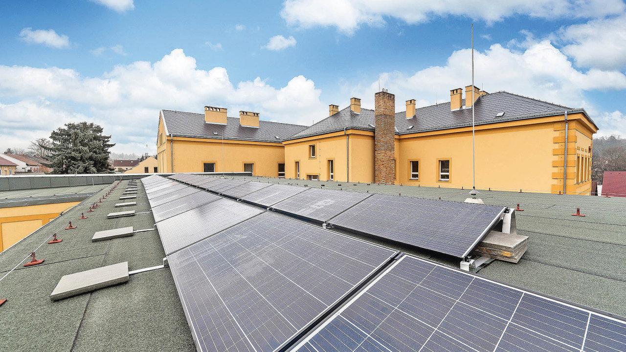 Větrací systém včetně fotovoltaické elektrárnyse osvědčil naZŠ vLibušíně.