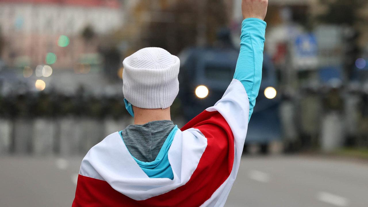 Po celém Bělorusku se včera konaly demonstrace a v některých podnicích zastavili alespoň částečně práci.