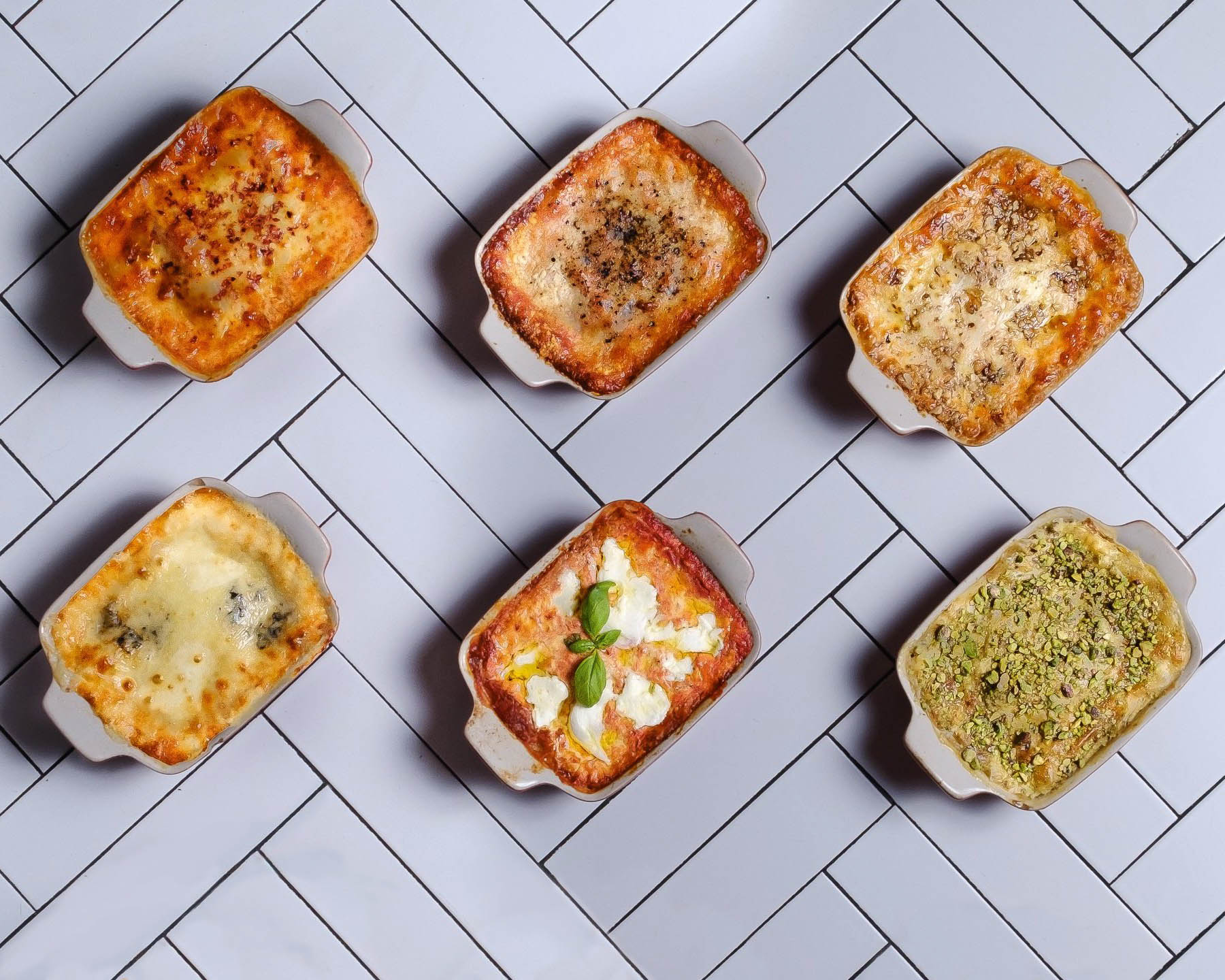 Bešamel, čerstvé těstoviny, dlouze tažené ragú. První lasagnerie vČesku slaví tři roky. Založila ji tehdy osmadvacetiletá Římanka Fabrizia Falchi.