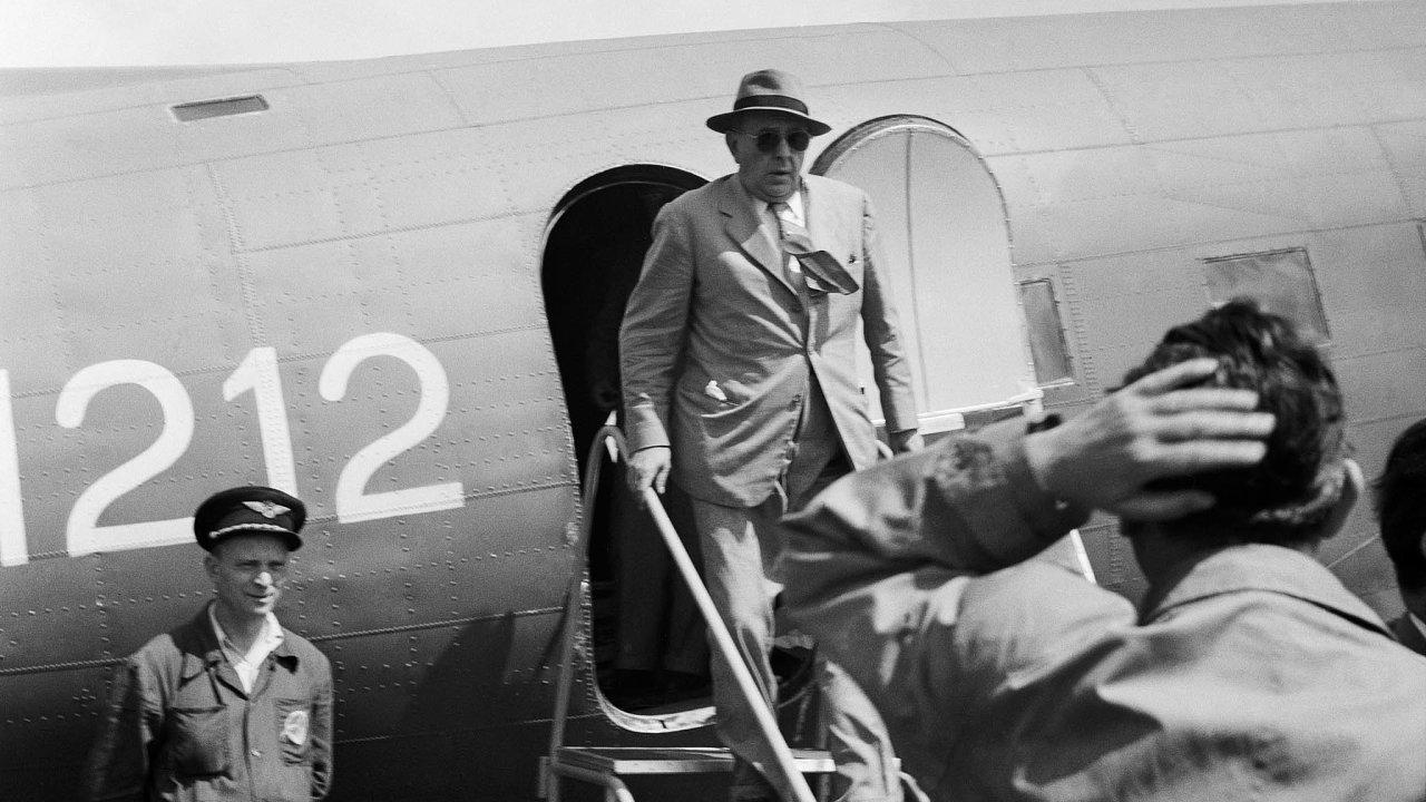 Přílet vládní delegace vedené předsedou vlády Klementem Gottwaldem z Moskvy do Prahy. Členy delegace byli Jan Masaryk