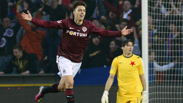 Sparťan Kadlec dal druhý gól Sparty.