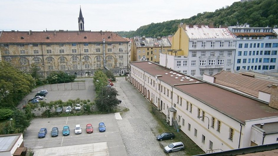 Areál bývalých kasáren v pražském Karlíně