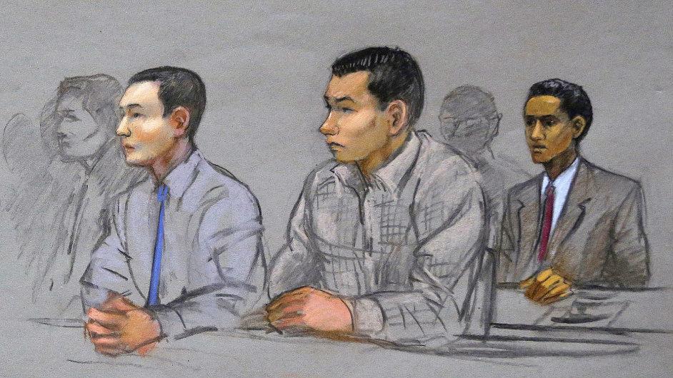 Carnajevův kamarád Dias Kadyrbajev (uprostřed) dostal šest let za maření vyšetřování atentátu.