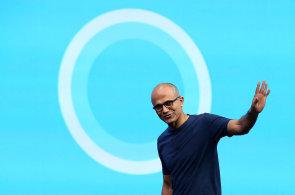 Proč Microsoft nutí uživatelům upgrade Windows zadarmo? Nechce se rozplynout do nicoty