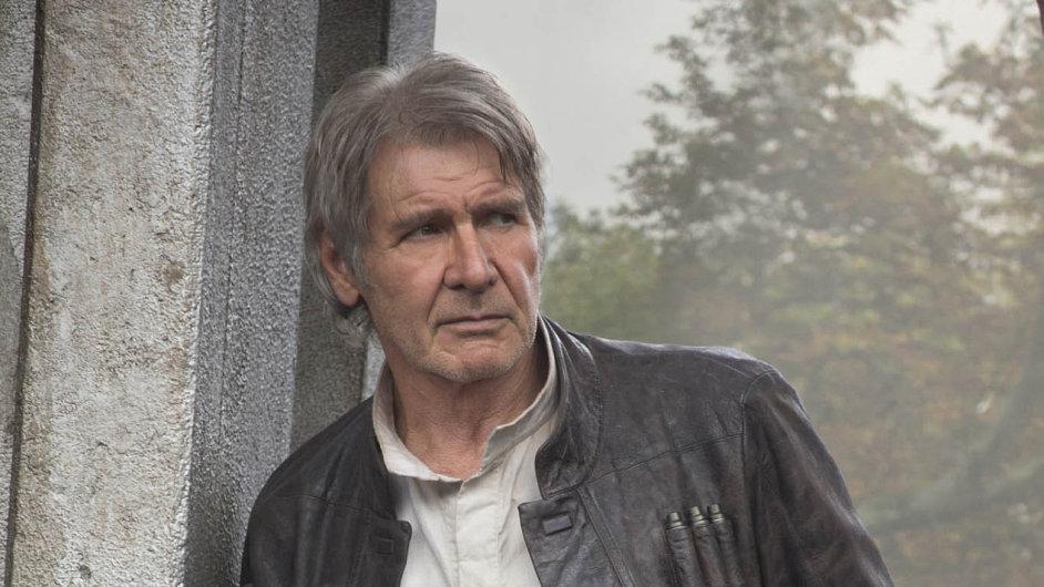 Nové Star Wars, které v USA a v Kanadě promítá přes 4000 kin, jsou i velkým návratem herce Harrisona Forda (na snímku).