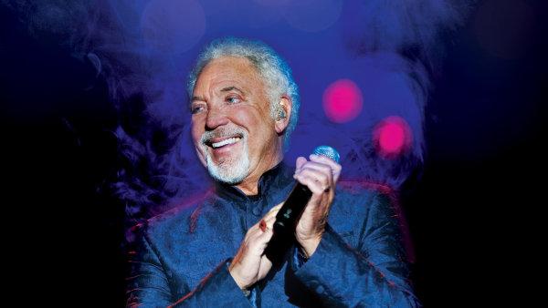 Tom Jones na festivalu zazpívá v pátek 29. července.