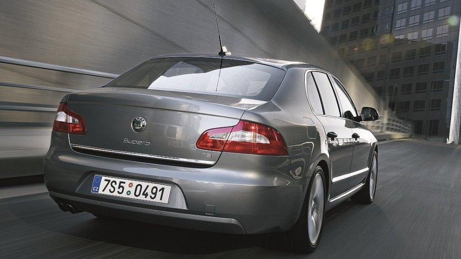 Škoda Superb - aktuálně nejlevnější manažerské auto s pohonem všech kol na českém trhu.
