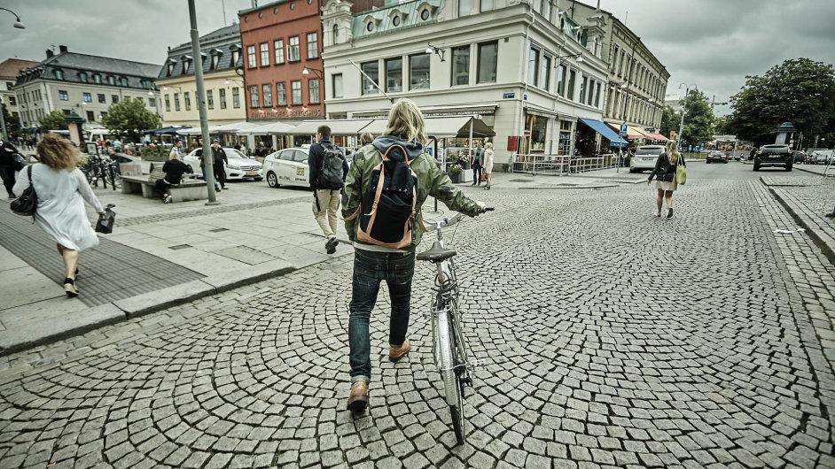 Majitel firmy Palle Stenberg vypadá jako basista nějaké švédské indiepopové kapely a do práce jezdí na kole.