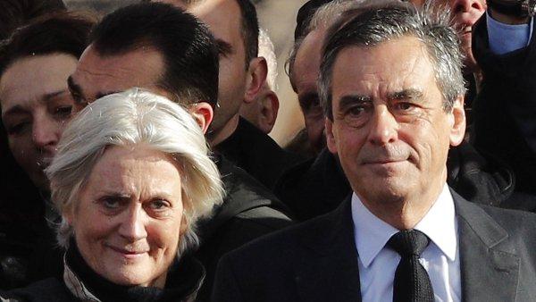Rozhodnutí vyšetřovat i Fillonovu manželku přichází dva týdny poté, co bylo zahájeno vyšetřování samotného Fillona.
