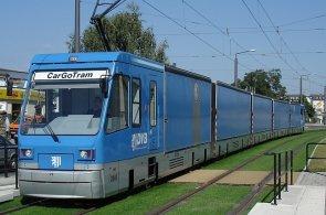 Ve Francii vozí tramvaje do obchodů zboží, v Německu zase autodíly. Praha zvažuje, že by mohly svážet odpad