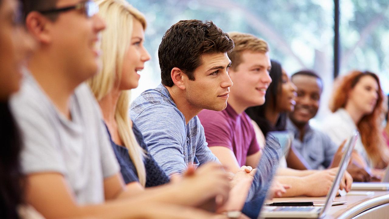 Studenti vysokých škol mají stále vyšší nároky, ilustrační foto