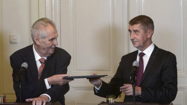 Prezident Miloš Zeman pověřil na zámku v Lánech Andreje Babiše jednáním o sestavení vlády.
