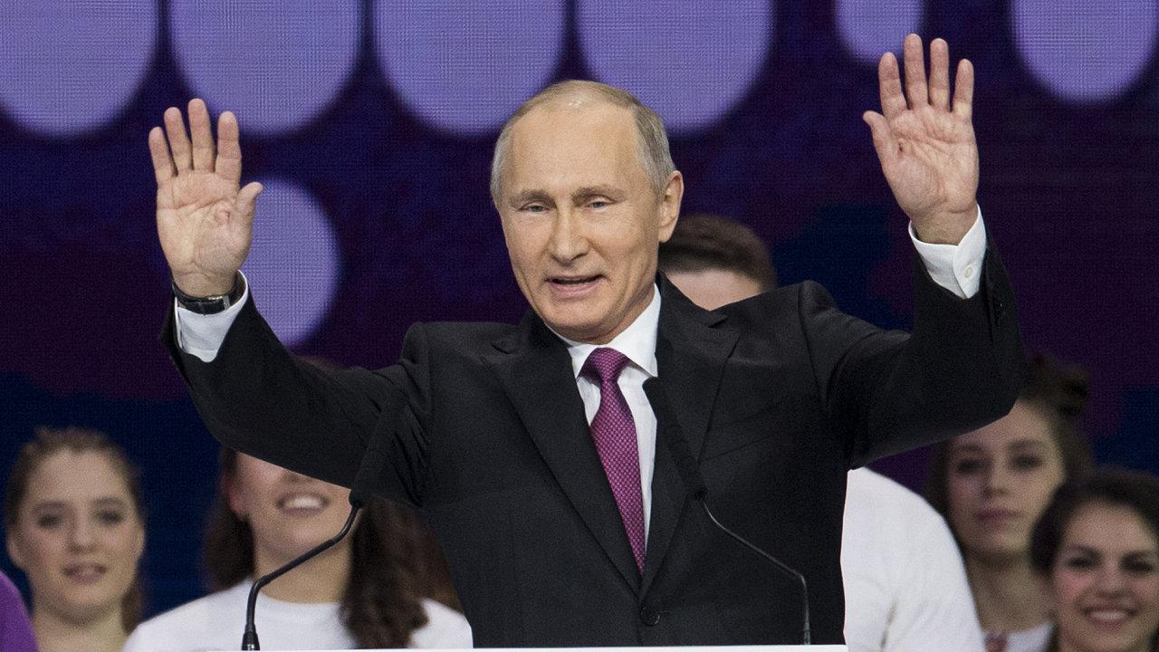Putin ohlásil svou kandidaturu v prezidentských volbách 2018.
