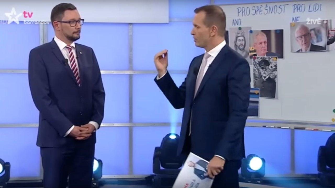 Mluvčí prezidenta Jiří Ovčáček a moderátor Jaromír Soukup v pořadu Aréna Jaromíra Soukupa