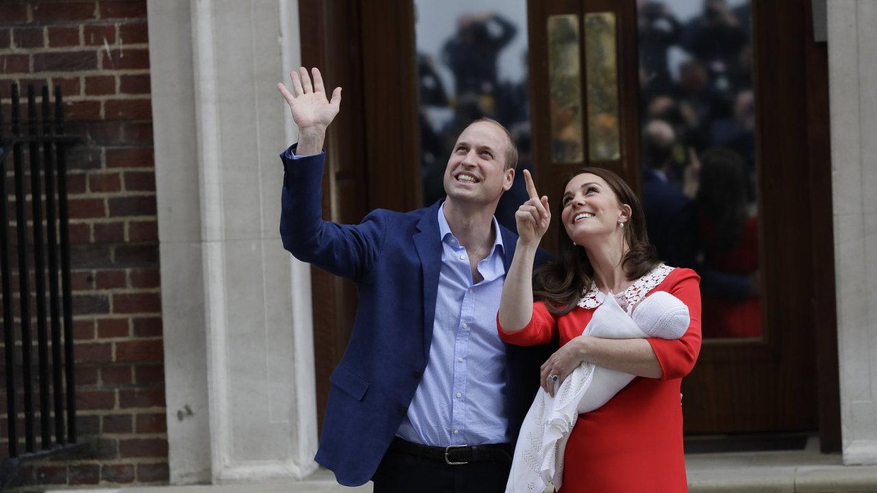 Princ William, vévodkyně Kate a jejich novorozený syn.