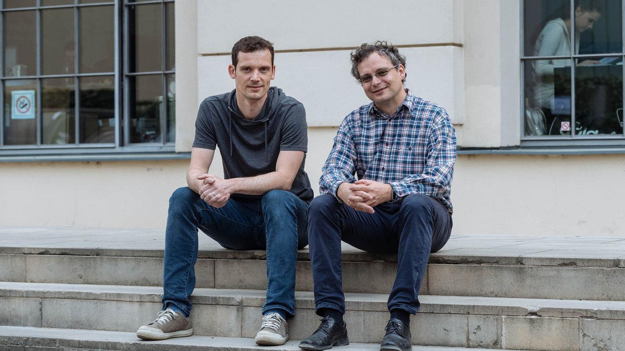 Firmu Neuron Soundware založil IT odborník Pavel Konečný (vpravo). Martin Kubáň (vlevo) vní řídí marketing.