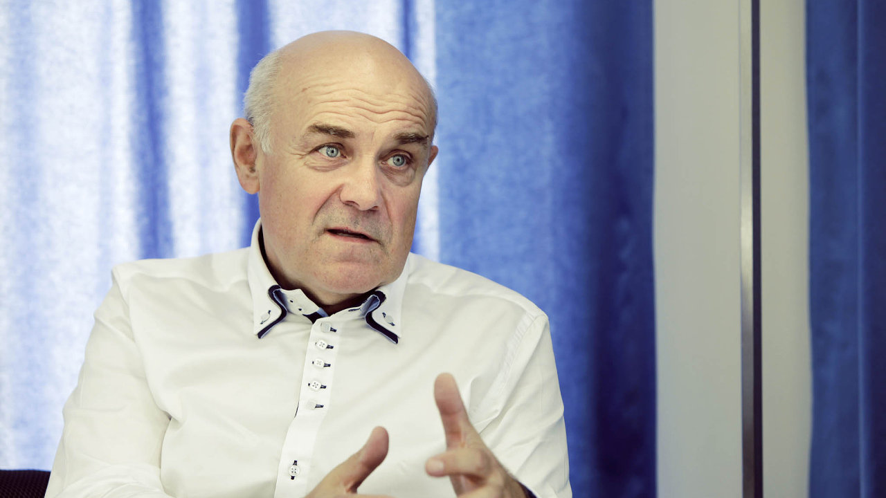Profesor Vladimír Mařík, ředitel Českého institutu informatiky, robotiky a kybernetiky ČVUT.
