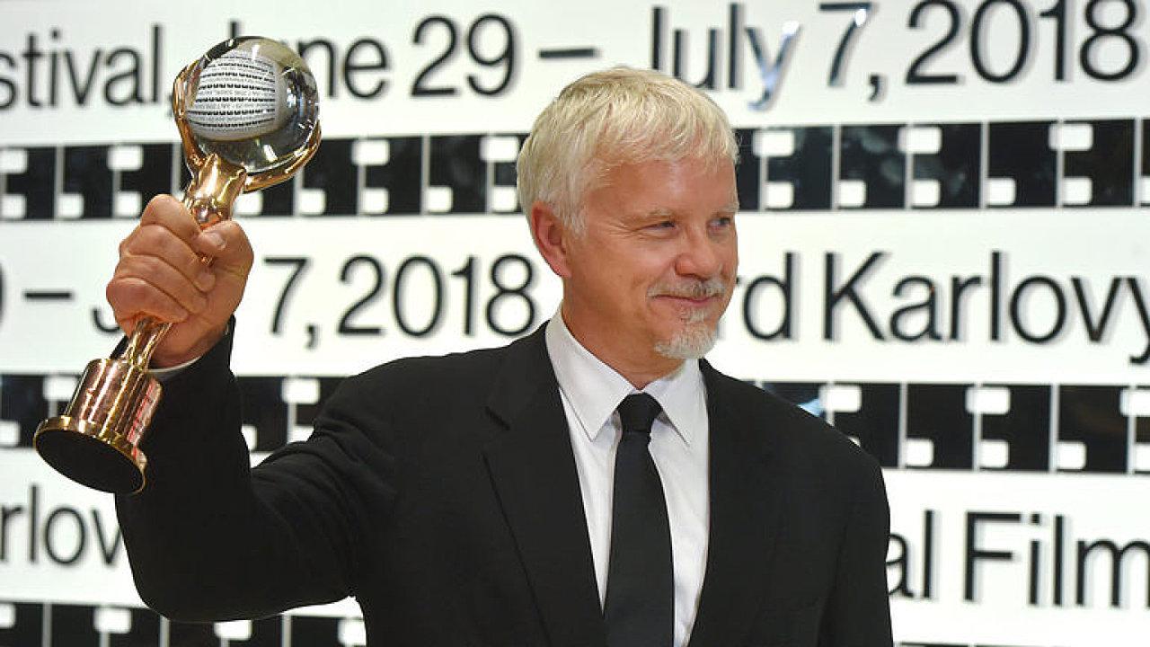 Hlavní hvězda Varů na kameře: Omlouvám se, že nám v USA chybí vize, říká Tim Robbins.