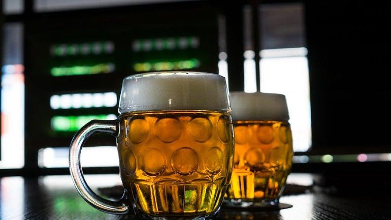 Praha dala půl milionu na propagaci pití piva: Chceme tak bojovat proti smogu, říká Eršil.