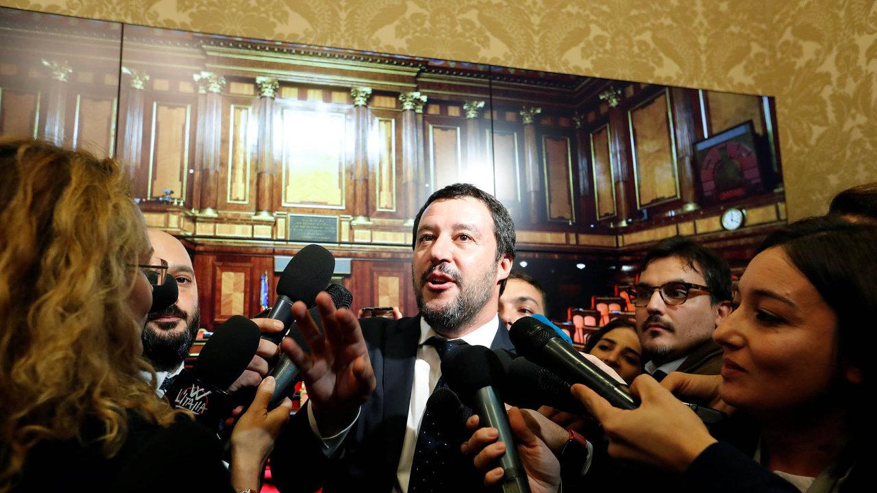 Proti Evropě. Místopředseda italské vlády Matteo Salvini neposlouchá ani EU, ani měnový fond.