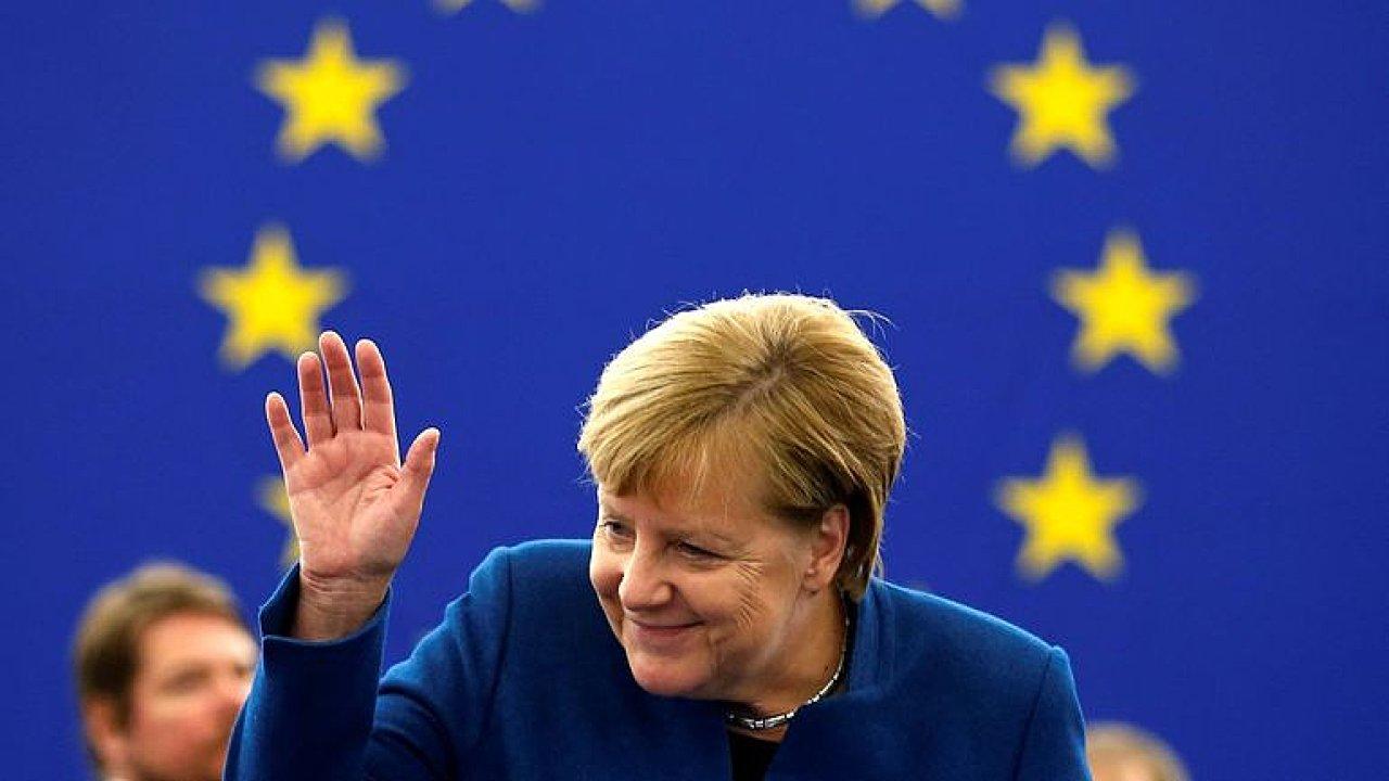 Komentář: Nástupce Merkelové postoj k migraci nezmění.