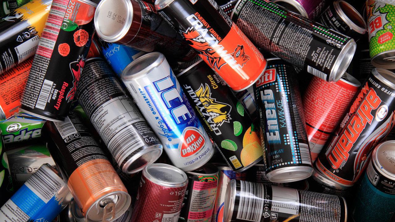 Rychlá energie: Podle průzkumu Nielsen Admosphere je vČesku nejoblíbenější Red Bull (30 procent oslovených), následovaný značkou Big Shock (16procent) aSemtexem (10procent).