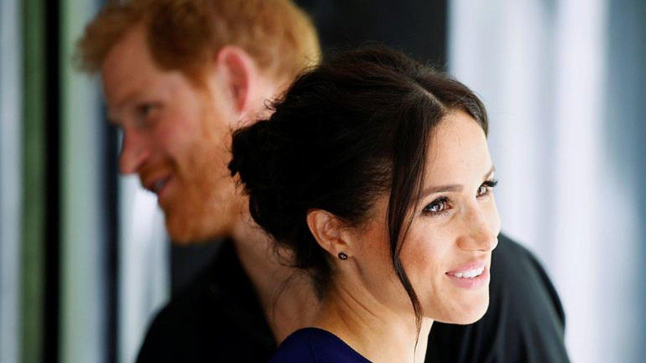 Megxit je nepřátelský akt vůči královně, Harry se zachoval jako celebrita, říká Cápová
