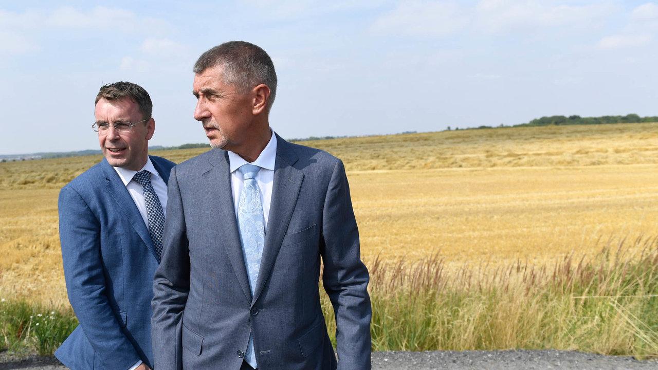 Ministrův konec: Vladimír Kremlík vedl dopravu oddubna. Premiér Andrej Babiš jej kritizoval kvůlizakázce naelektronické dálniční známky.
