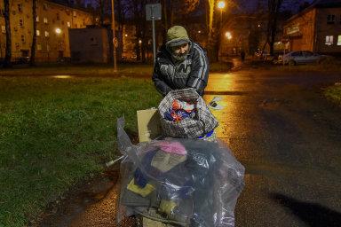 Bezdomovectví anejisté bydlení mají dopad nazaměstnanost aškolní docházku.