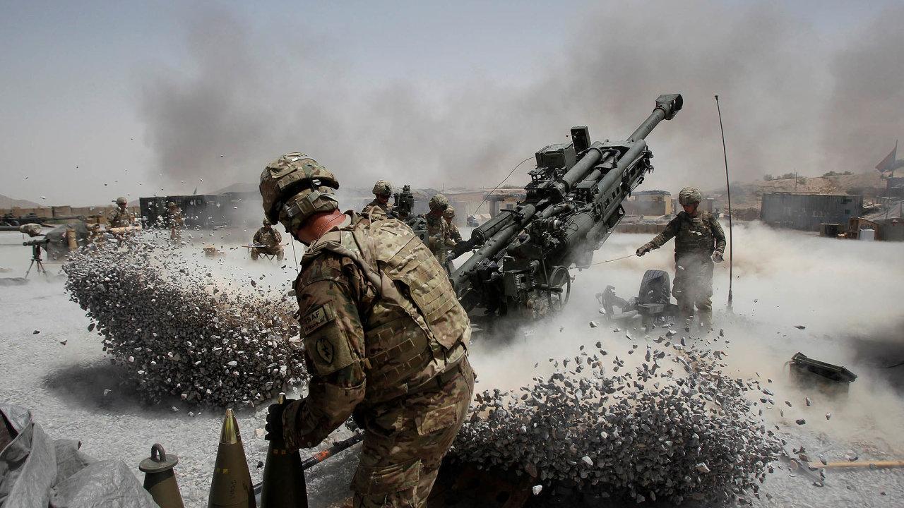 Lži oválce. Tři prezidenti ujišťovali Američany, že jejich armáda dělá vAfghánistánu pokroky. List Washington Post získal vládní dokumenty otom, že bojové strategie byly osudově chybné.