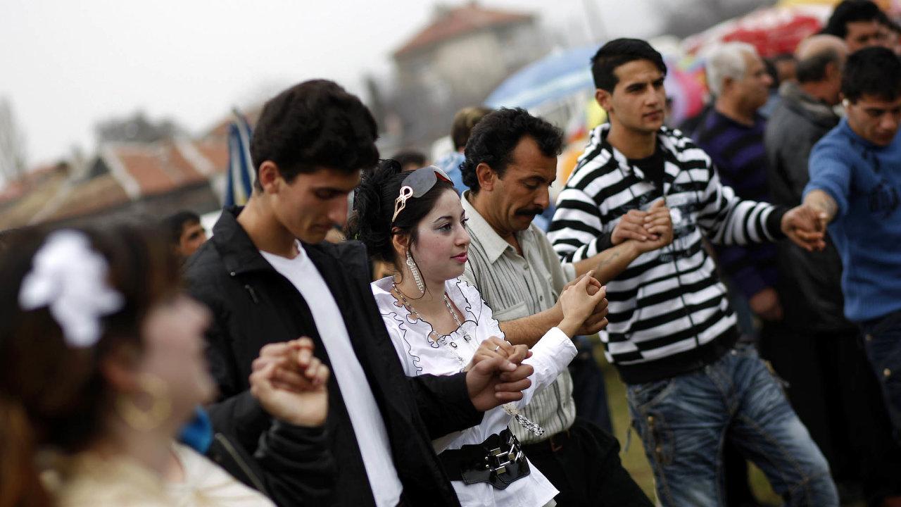 Svatba, nebo wesele? Vesvém mateřském jazyce by se vČesku mohli brát Poláci, Maďaři, Romové či Vietnamci.