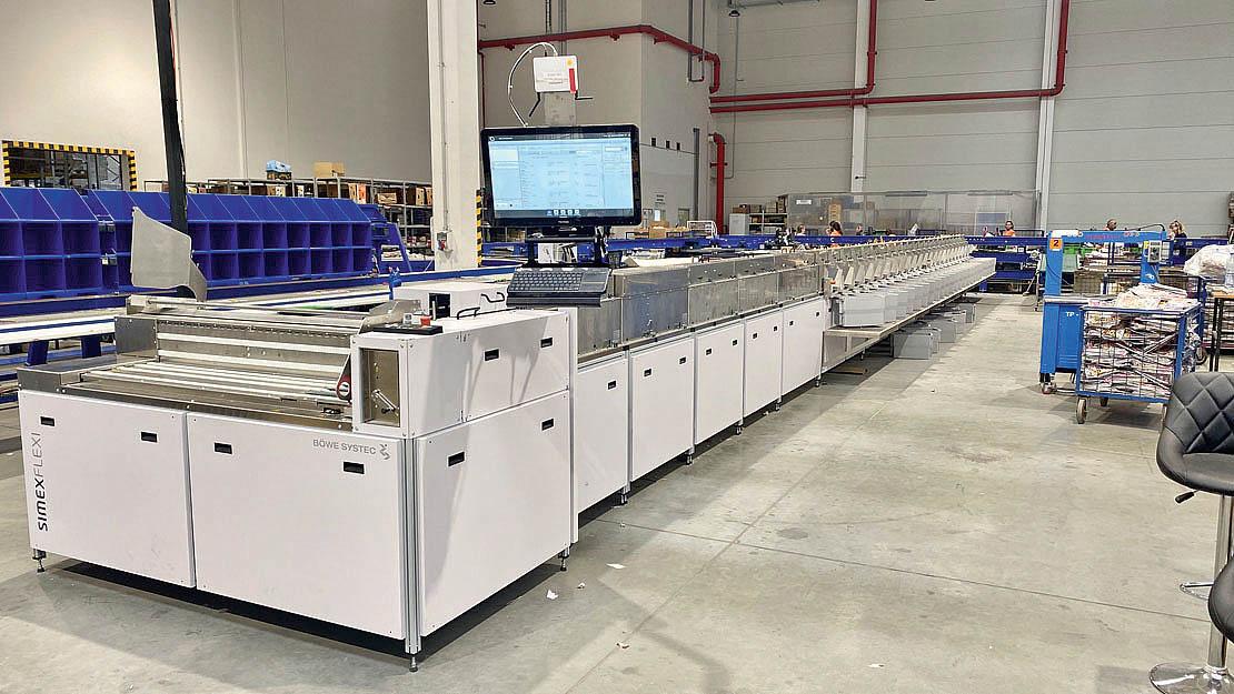 Automatizovanou linku určenou pro třídění adresných zásilek aremitendy zprovoznila pro První novinovou společnost (PNS) firma aeqoom technologies.
