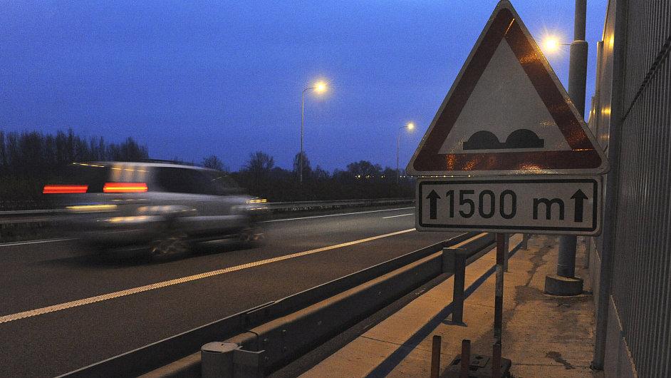 Za zvlnění dálnice D47 u Ostravy zřejmě může nevhodný materiál.