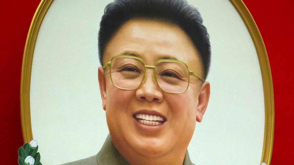 Hlavní představitelé Severní Korei pod obrazem bývalého vládce Kim Čong-ila