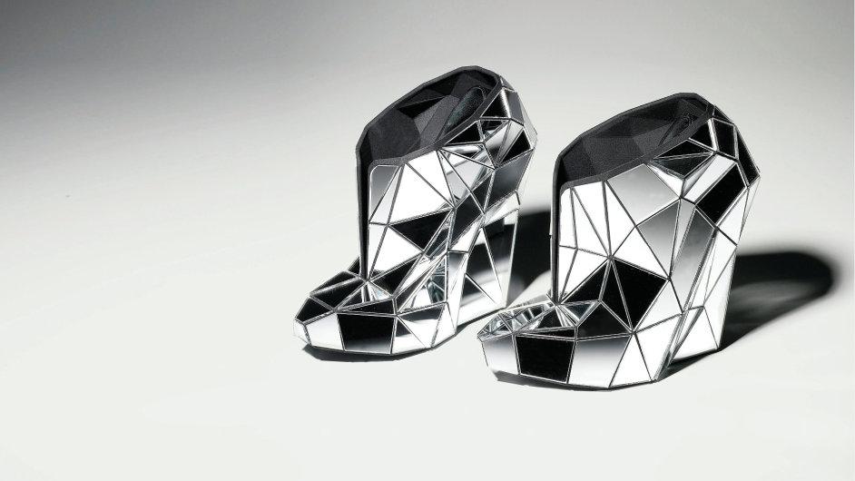 c5a339119eb Proč ženy milují vysoké podpatky aneb To nejlepší z obuvnického řemesla 21.  století