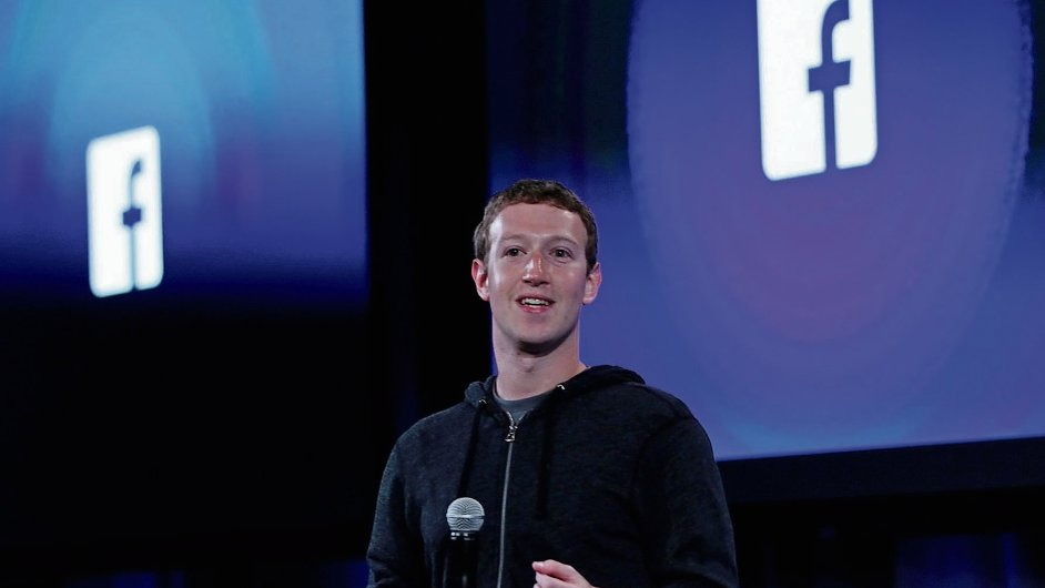 Zuckerberg loni vyhlásil, že Facebook se musí více zaměřit na prodej reklamy na mobilních telefonech