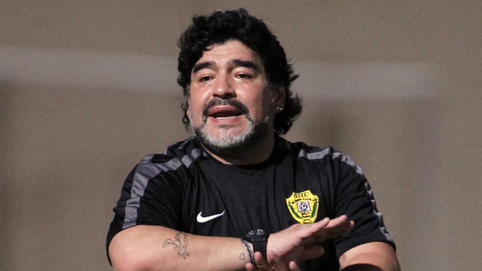 Fotbalista Diego Maradona byl závislý na kokainu.