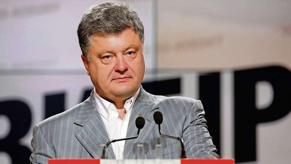 Ukrajinský prezident Petro Porošenko předložil úřadům mírový plán.