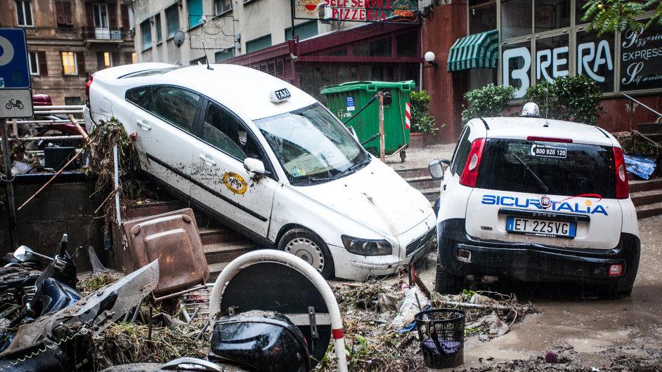 Italský Janov v pátek zasáhly náhlé záplavy