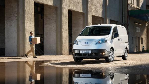 Elektromobil pro podnikatele? Dod�vka do z�suvky dorazila do �eska